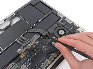 """How To Do MacBook Pro 13"""" Retina Display Late 2012 SSD Replacement"""